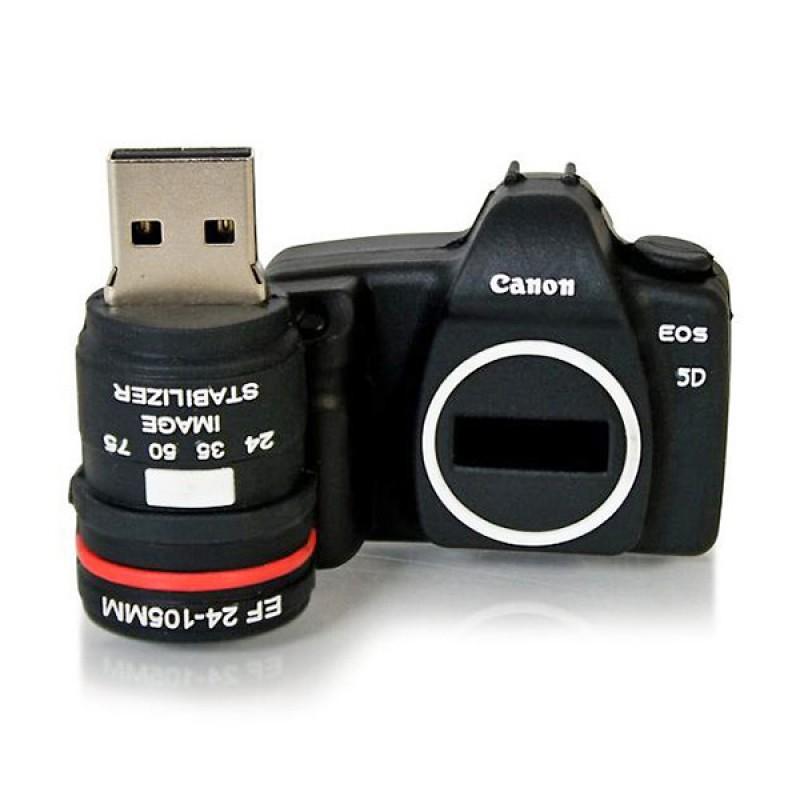 Фотоаппарат не принимает флешку